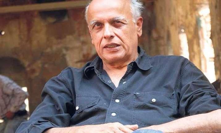 mahesh bhatt to sing for hamari adhuri kahani play