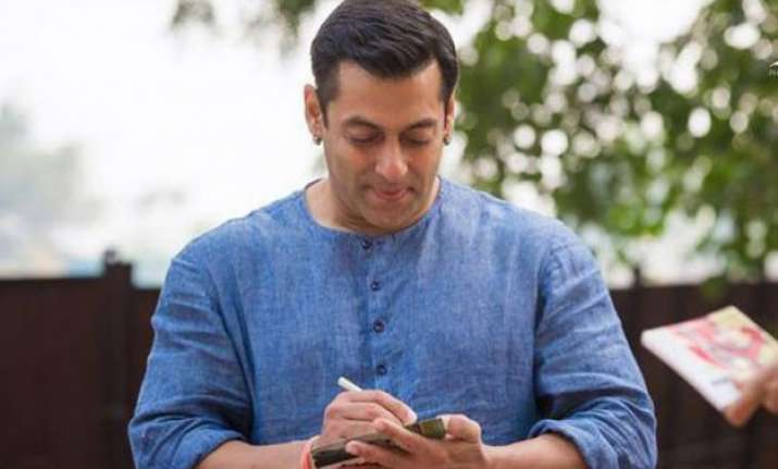 salman khan promises to visit pakistan to attend bajrangi