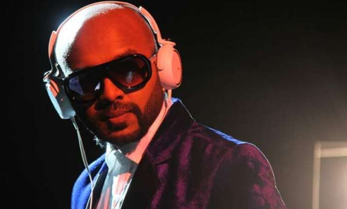 benny dayal makes bangalore crowds go bang bang