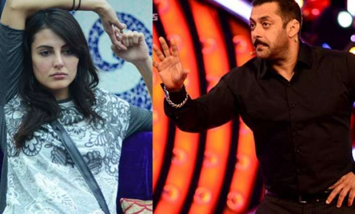bigg boss 9 salman khan teaches lesson to mandana karimi