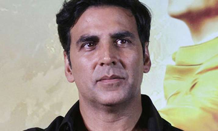 i love to work with new people akshay kumar