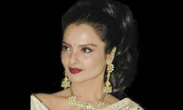 rekha in talks to do tv serial