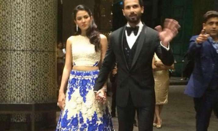 bollywood attends newly weds shahid mira reception