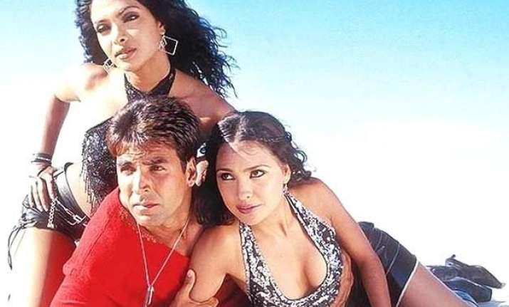 priyanka chopra lara dutta get nostalgic over andaaz