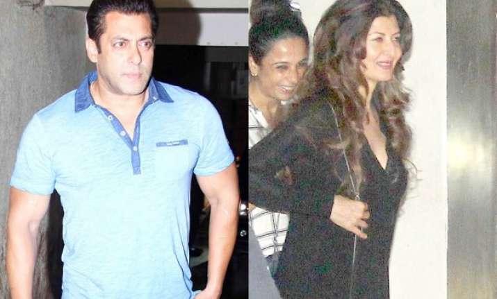 salman khan watches bajrangi bhaijaan with ex girlfriend