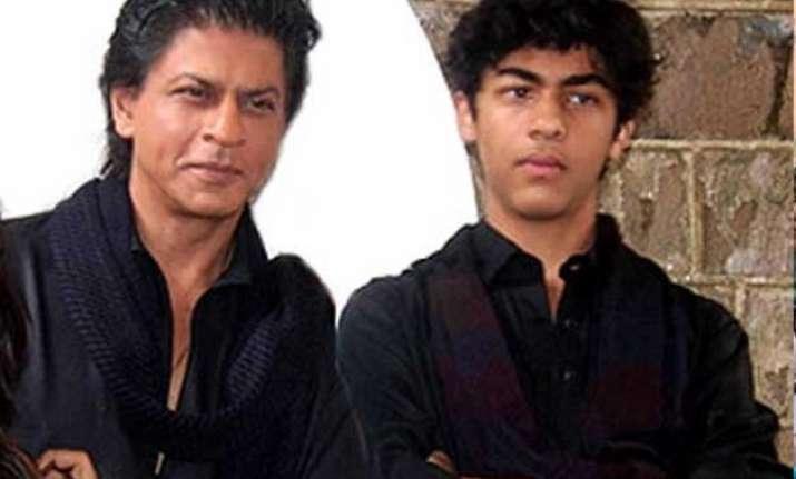 shah rukh khan s son aryan to debut with boyhood remake