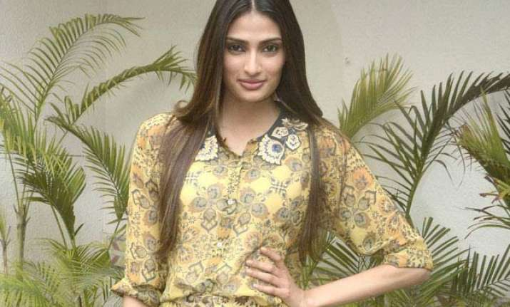 athiya shetty has list of directors on her mind