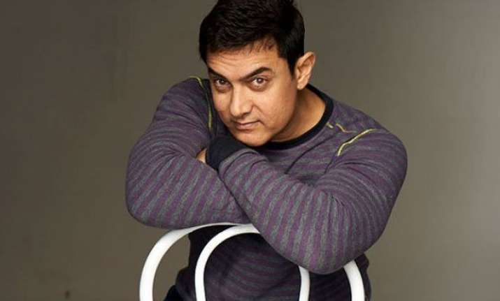 is aamir khan playing an alcoholic divorcee in his next