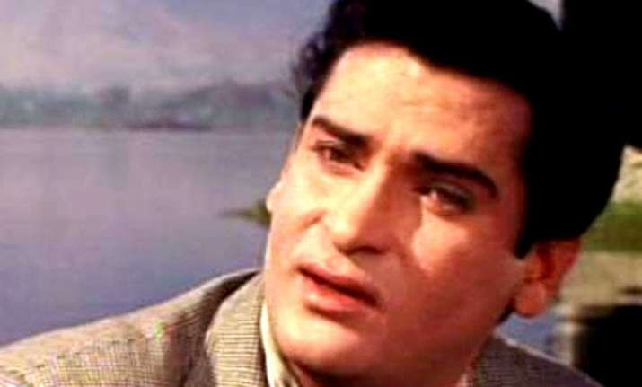 bollywood stars flock to pay last respects to shammi kapoor