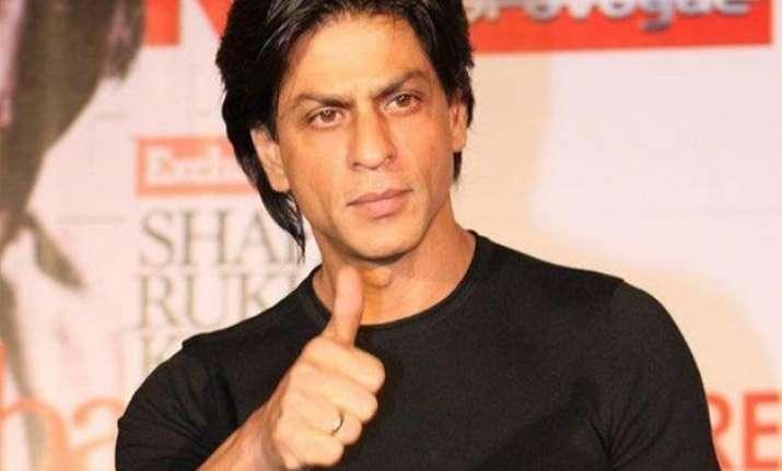 shah rukh khan wrapped up fan shoot