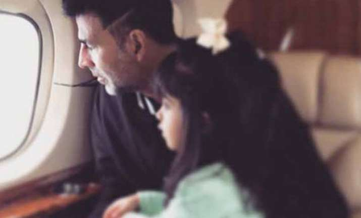 akshay kumar spends holiday with his little princess
