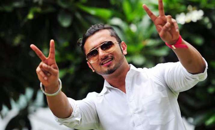 yo yo honey singh back with another cool number