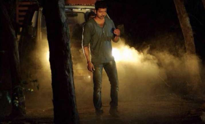 kaththi movie review an idealistic fiction