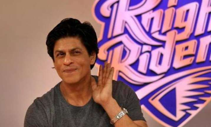 shah rukh khan injured during happy new year promotions