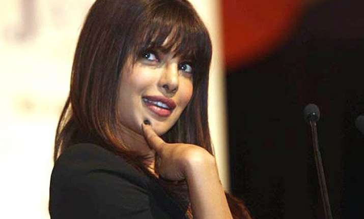priyanka chopra excited about public chat with fans