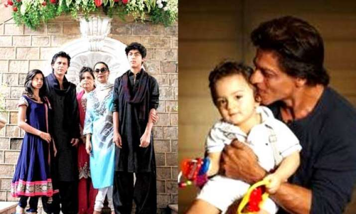 shah rukh khan shares first photo with son abram on twitter
