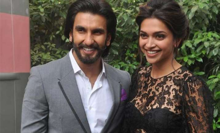 ranveer singh celebrates his birthday with lady love