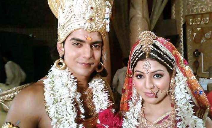debina bonnerjee turns sita again for a tv show but sans