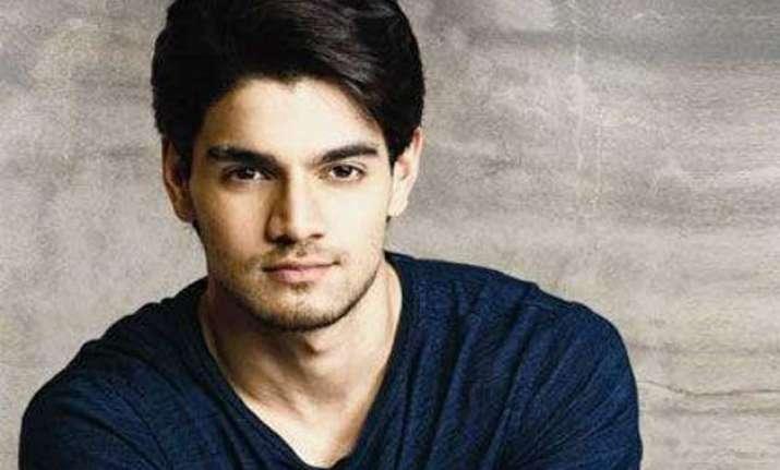 do you know this secret of hero actor sooraj pancholi