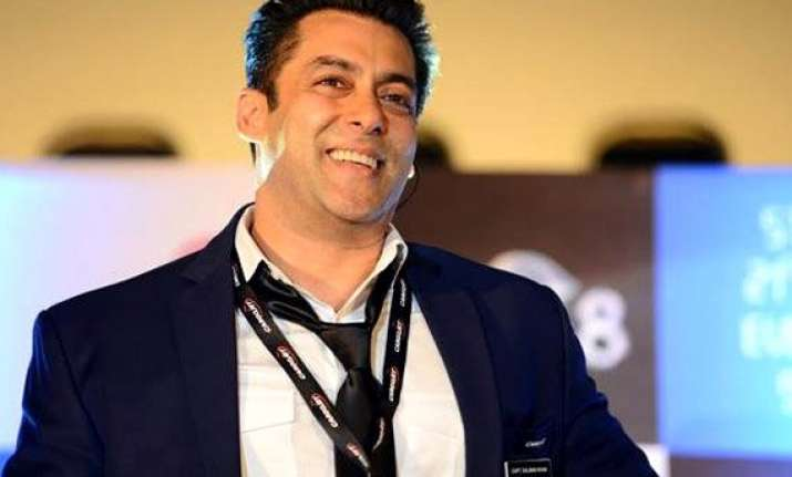 salman khan gets a day off on birthday from bigg boss