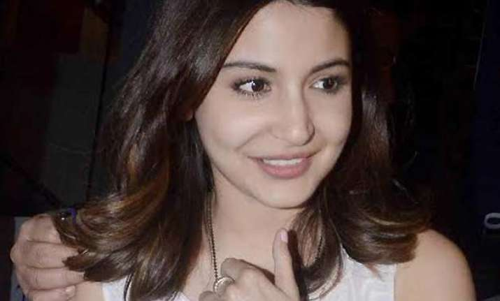 here s how anushka sharma saved friend from an eve teaser