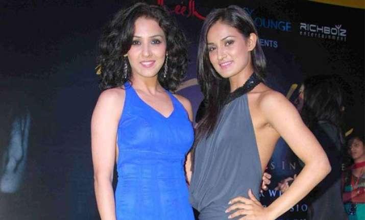 dancer sisters shakti neeti mohan awarded for their talent