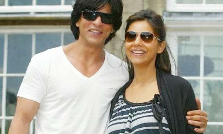 shah rukh khan credits wife for making family smile
