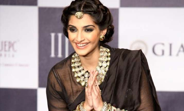 sonam injures herself while trying puppet dance