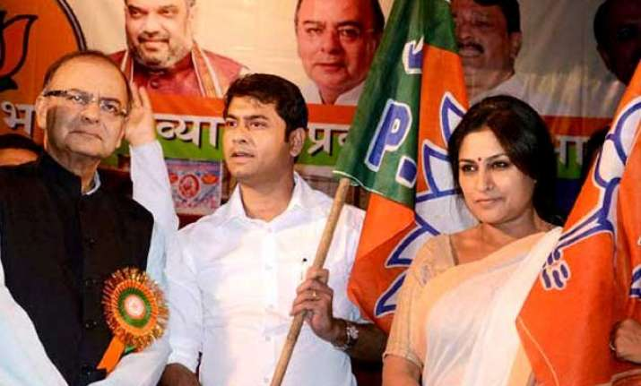 actress roopa ganguly joins bjp