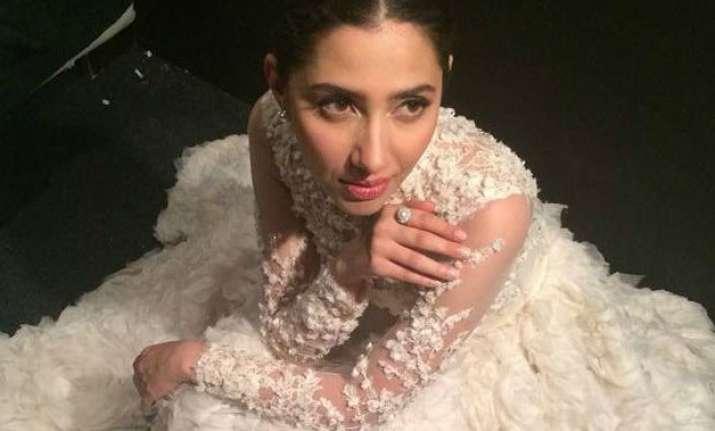 bollywood celebs slam sena s intolerance towards pakistani