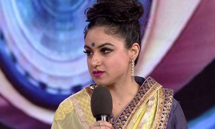 bigg boss 9 priya malik talks about her eviction makes some