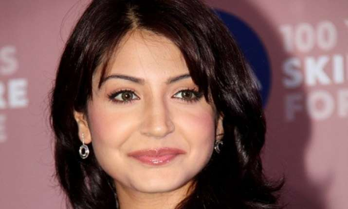 bollywood support pours in for anushka sharma read tweets