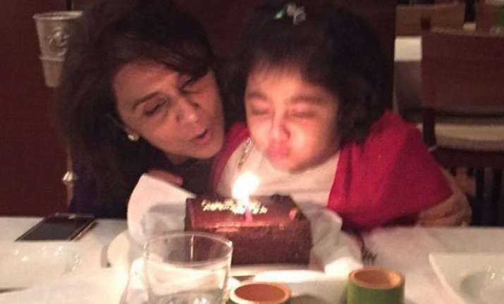 neetu kapoor celebrates her 57th birthday with family see