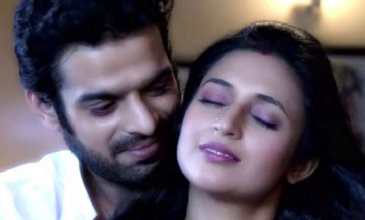 yeh hai mohabbatein raman ishita to get into bedroom romance