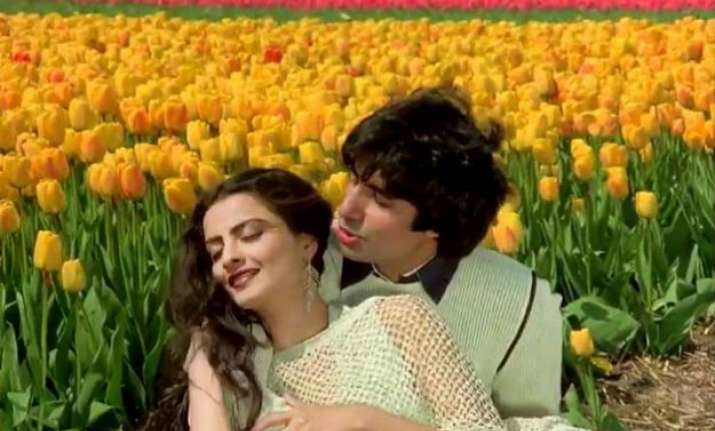 amitabh rekha s tulip garden romance to be relived in