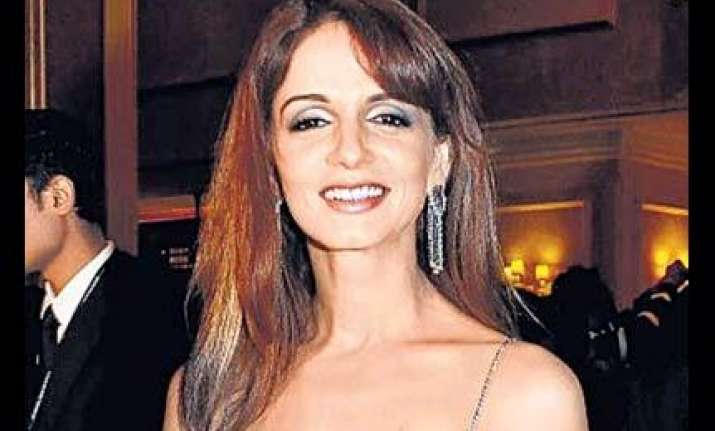 sussanne to accompany hrithik barbara for kites us