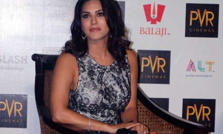 fir against sunny leone for promoting obscenity on her