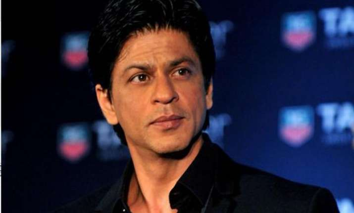 shah rukh khan might go under the knife again