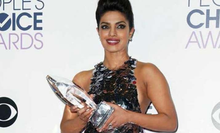 embarrassing priyanka chopra s thank you speech gets