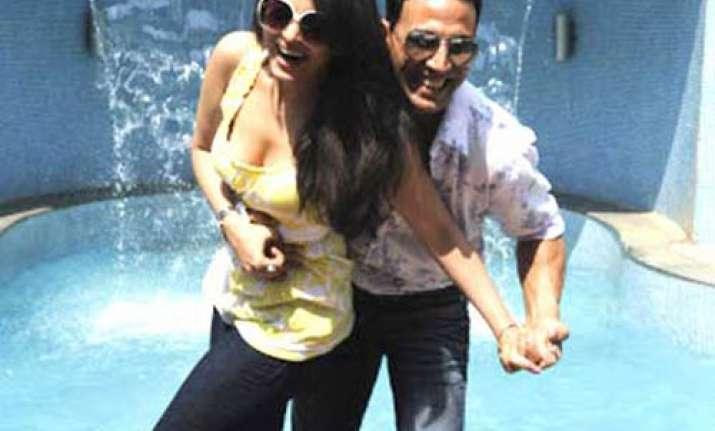 akshay aish look adorable together vipul shah
