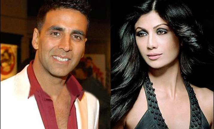 why invite akshay if he doesn t invite us asks shilpa