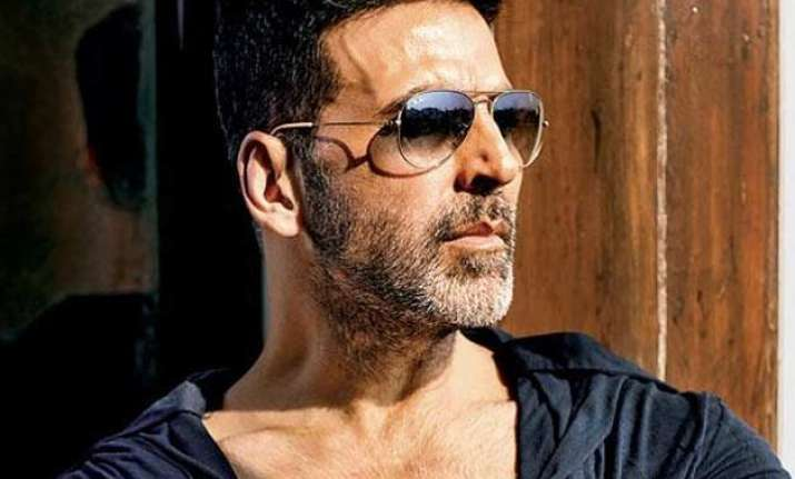 akshay kumar never dreamt of getting punched by rajinikanth