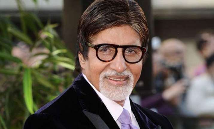 amitabh bachchan apologises for missing fan s birthday