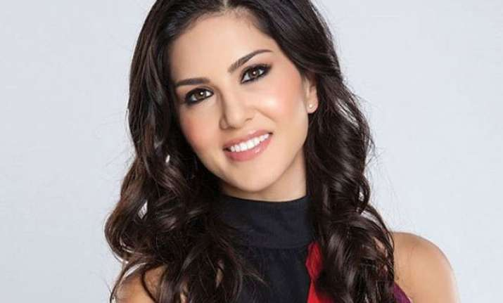 sunny leone s past profession hampering her chance in