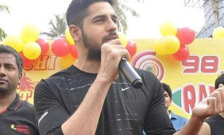 sidharth malhotra expresses shock over his link up rumors