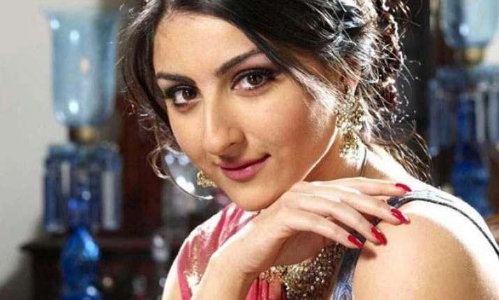 5 glamorous avatars of birthday girl soha ali khan