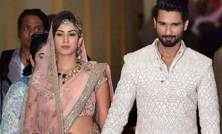 shahid kapoor s new year photo with wife mira says it all