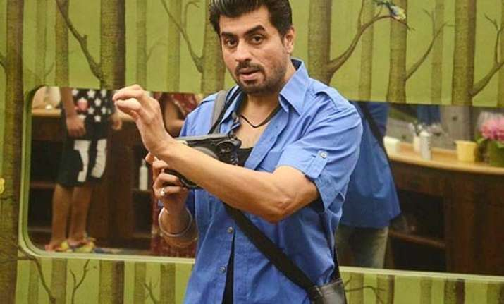 bigg boss 8 nominations pritam singh to get evicted