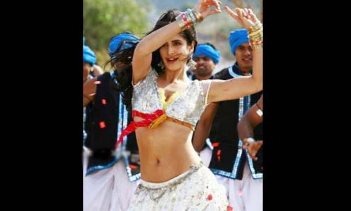 katrina gets abdominal pains after belly dancing lesson