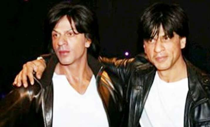 shah rukh khan s wax figure unveiled at madame tussauds
